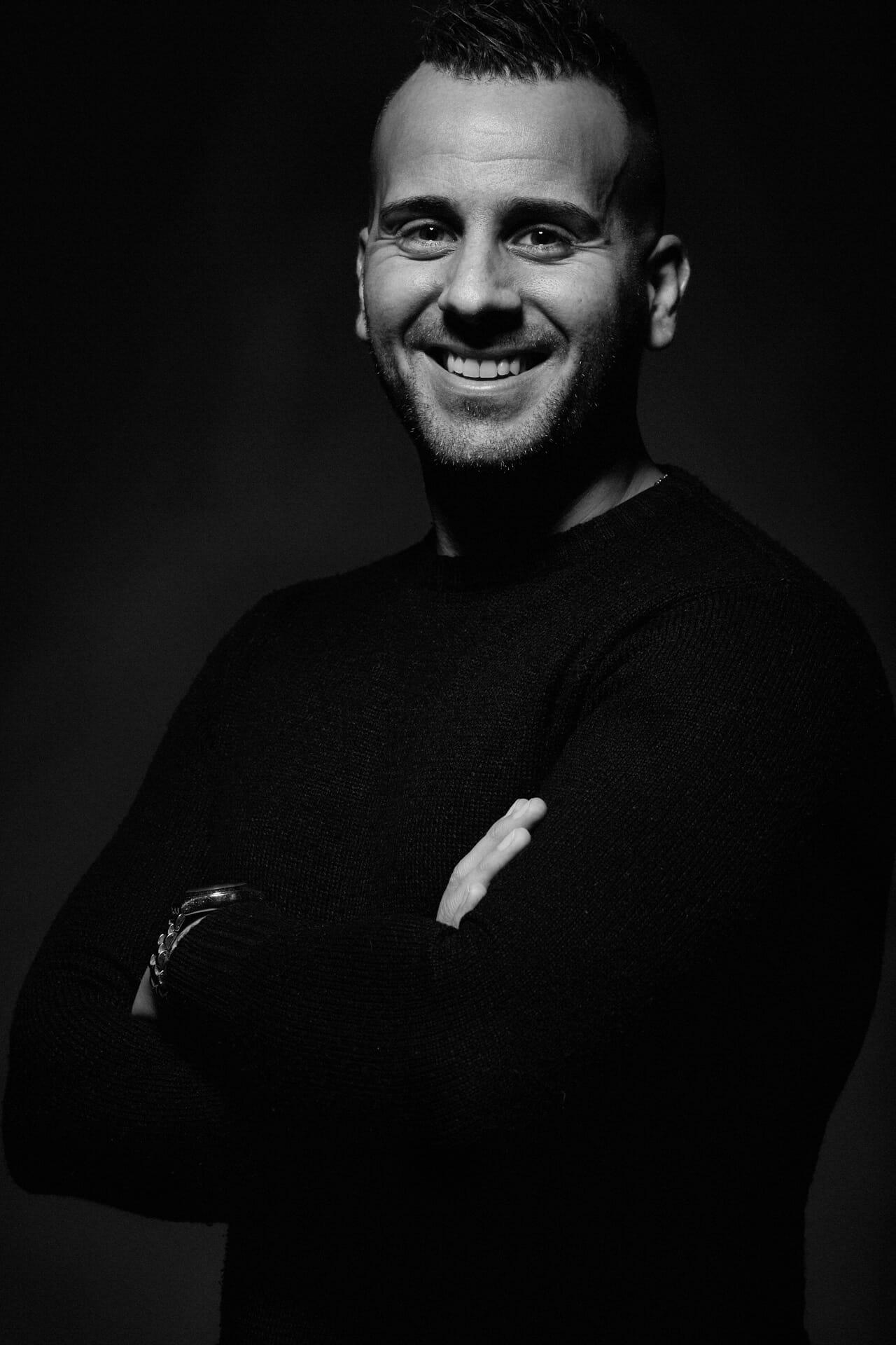 Corporate portrait CLAUDIO Daniel Grandolfi professional portrait photographer Milano photographer Fashion and Beauty Tortona area Advertising Photographer Porta Genova photographer editorial magazines Vogue Profoto Lighting Canon Cameras 1