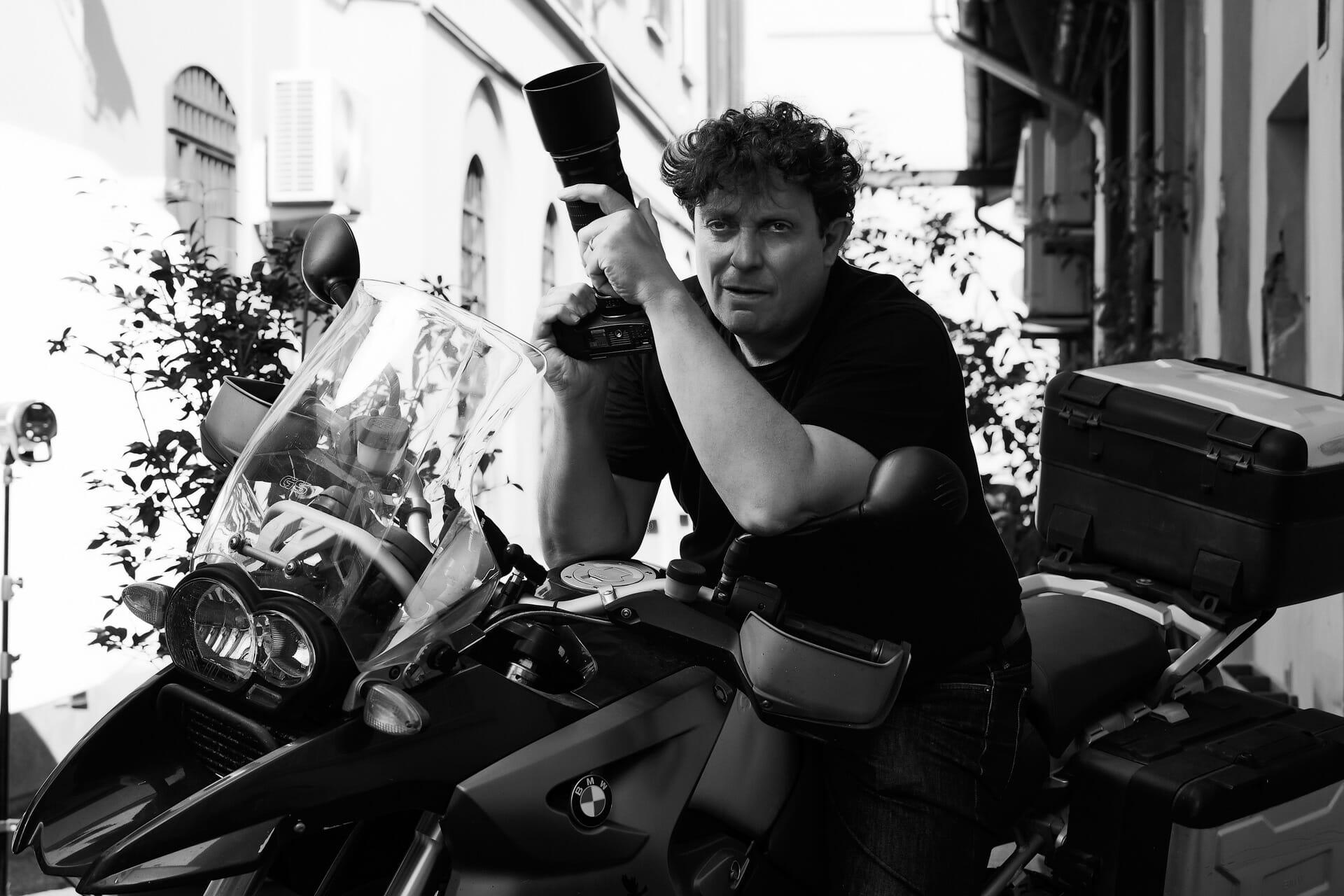 Daniel Grandolfi Photographer Milano Fashion and Beauty Tortona area FASHIONBLOG Advertising Photographer Porta Genova editorial photographer magazines Vogue Professional portrait photographer Profoto Lighting Canon cameras
